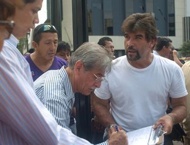 Firmas para revocatoria de Correa