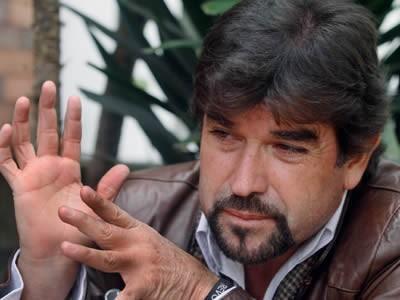 periodista Carlos Vera presenta denuncia ante la CIDH