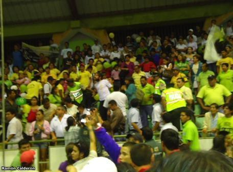 Chileno es expulsado por Rafael Correa