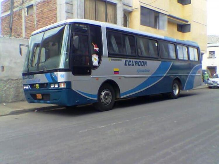 asaltan bus en la vía Quito - Guayaquil