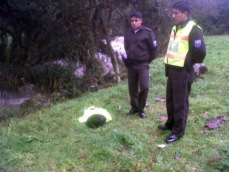Cinco personas cayeron al Río Tomebamba en Cuenca