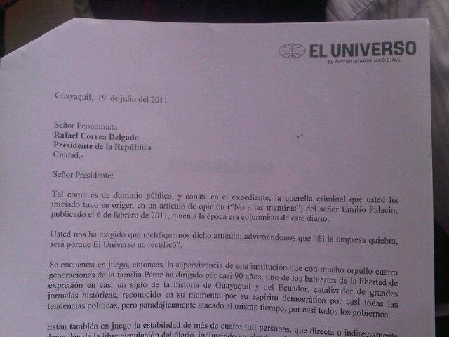 El Universo acepta rectificación pedida por Rafael Correa