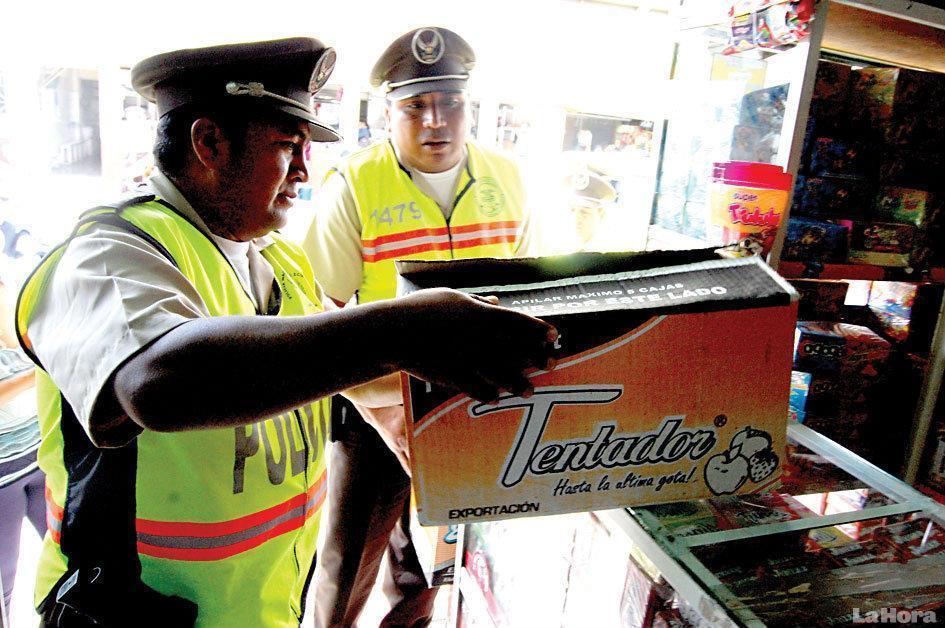 Detienen al dueño de vino Tentador