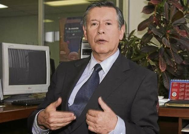 Fernando Sempértegui es el nuevo rector de la Universidad Central