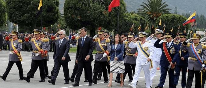 Presidente Correa cesó al Alto Mando Militar en Ecuador