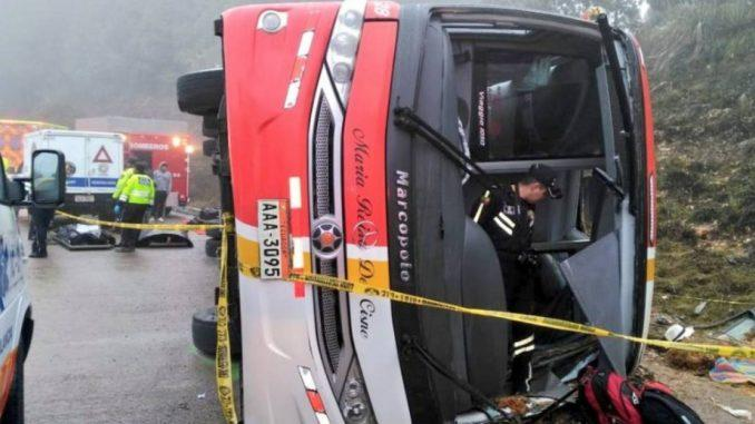 accidente bus cuenca loja