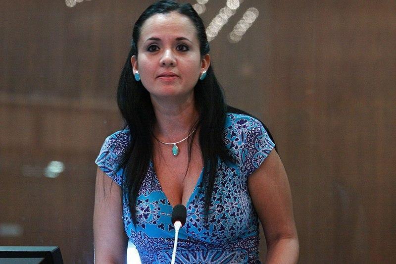 Contraloría destituye a Marcela Aguiñaga