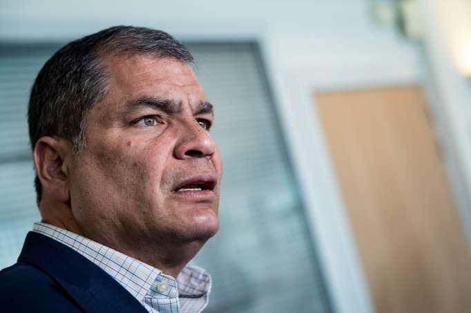 """Editorial de José Hernández: """"Correa al borde del abismo"""""""