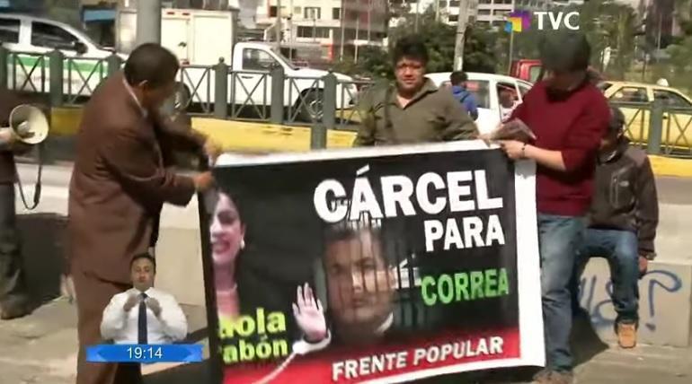 Rafael Correa acusado de delicuencia organizada