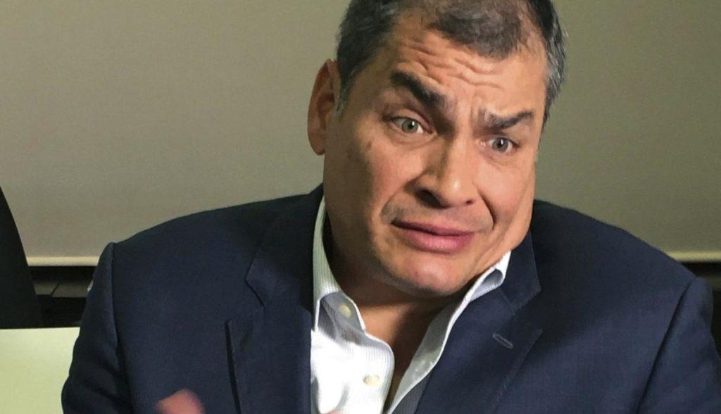 """Editorial de Roberto Aguilar:  """"Rafael Correa es una 'víbora'"""""""