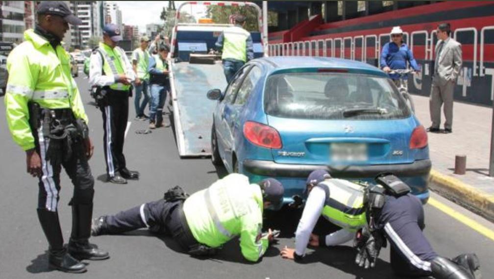 AMT detiene a conductores autos llantas lisas