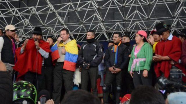 ministerio de gobierno denuncia por secuestro de policias