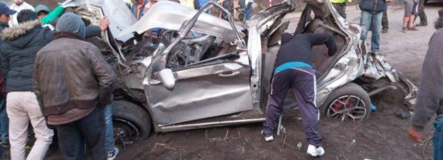 derrumbe en via Penipe Baños deja 5 personas fallecidas