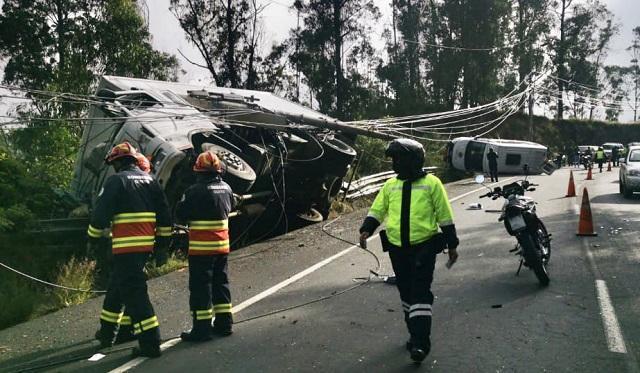 accidente-multiple-avenida-simon-bolivar