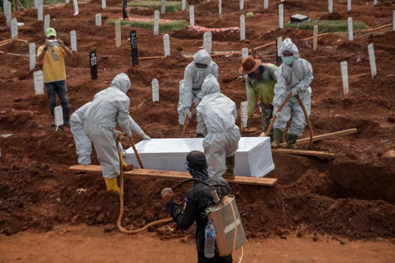 muertos por covid-19 en indonesia